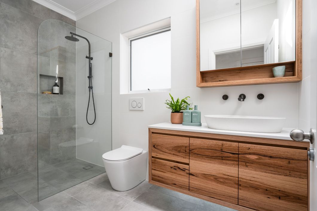 Walk In Shower - Pros and Cons