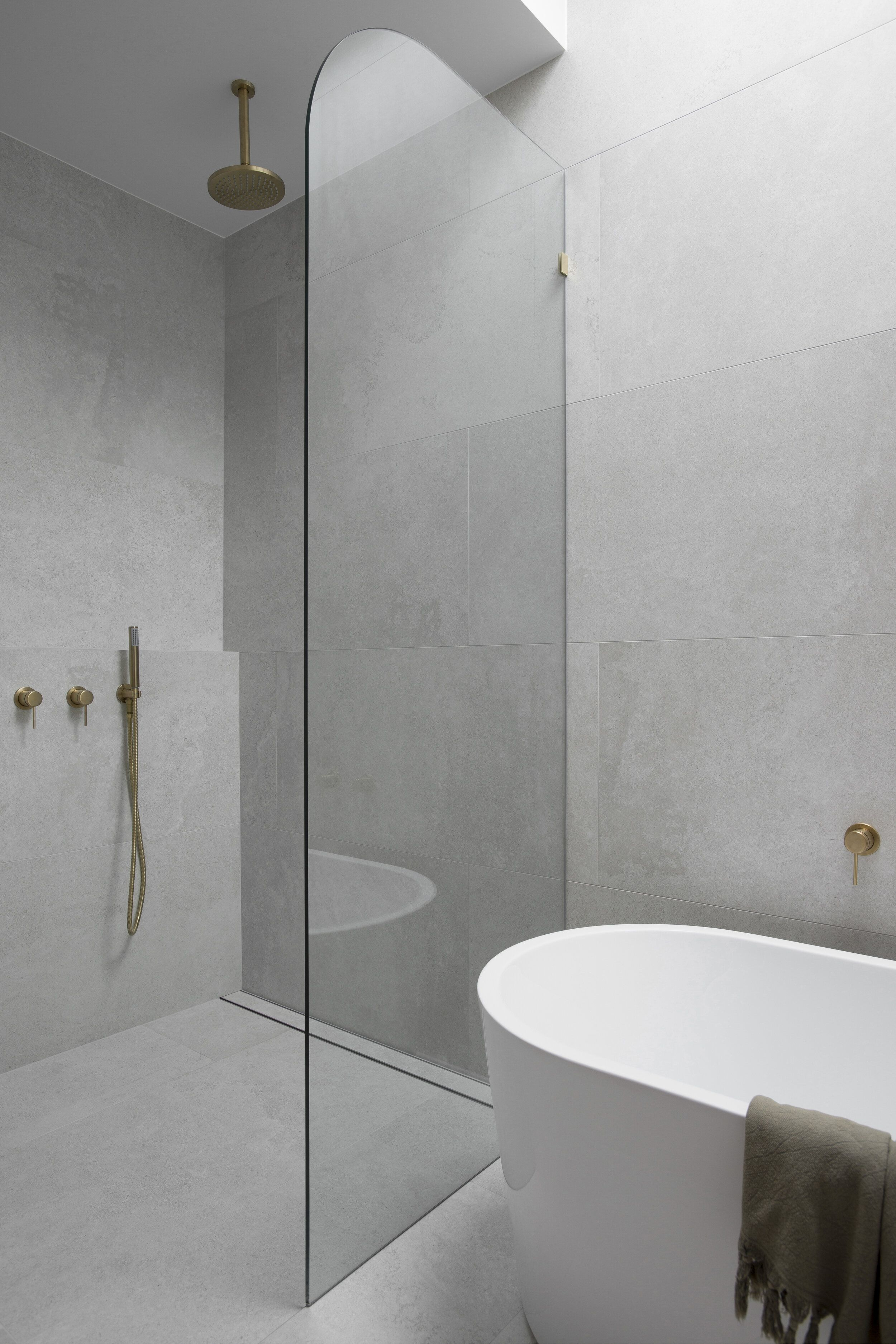 Pros and Cons Of Frameless Shower Screens