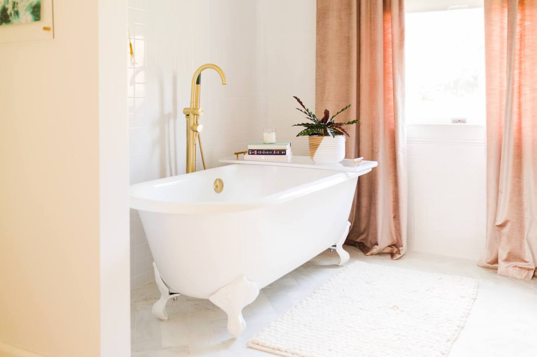 Elsies-master-bathroom-tour-2