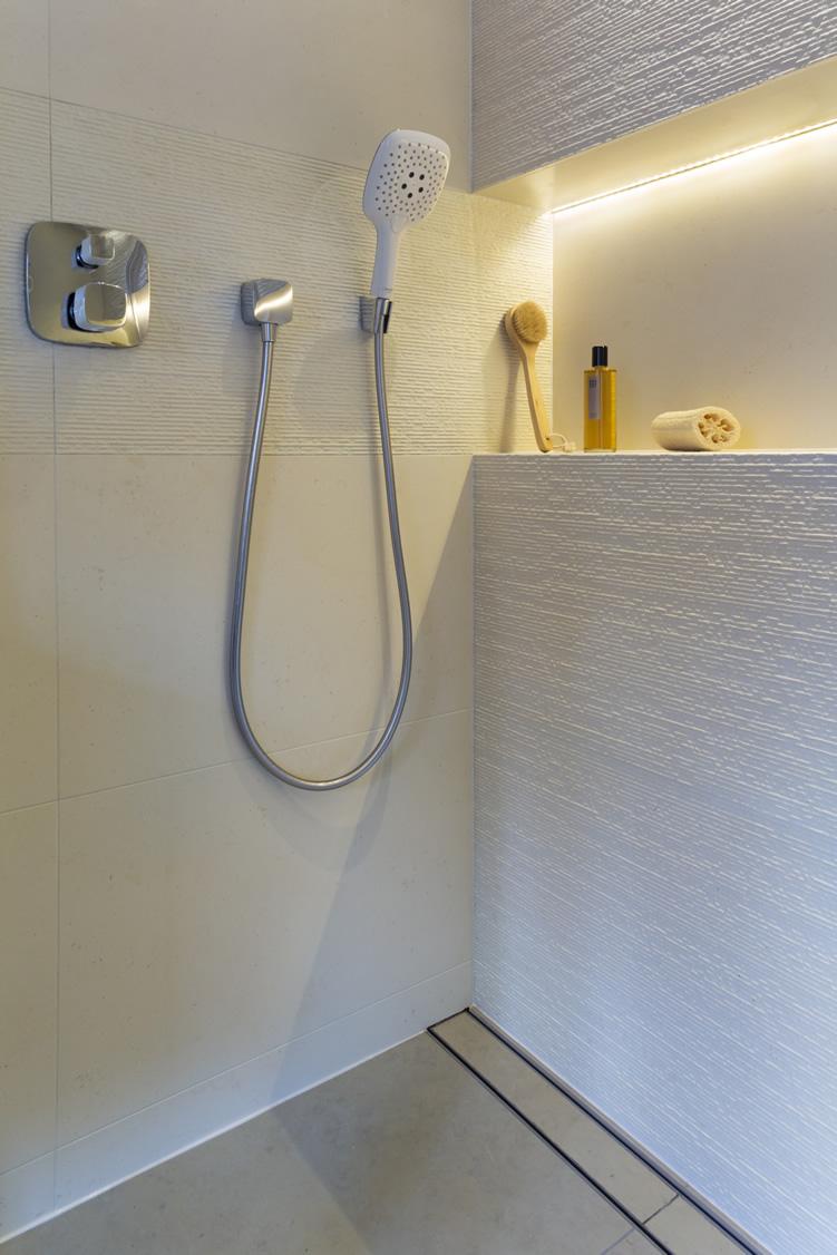Arkitexture-vanity-Strip-Lighting-For-Bathrooms-ideas