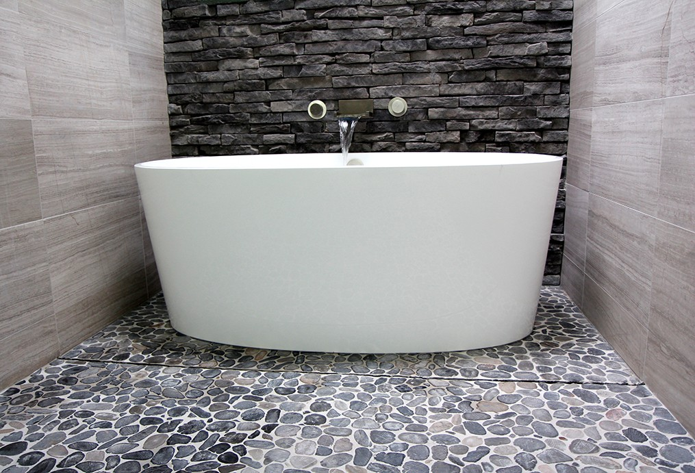 victoria-and-albert-tub-wall-mount-tub-spout-pebble-flooring-hidden-drain-system-1000