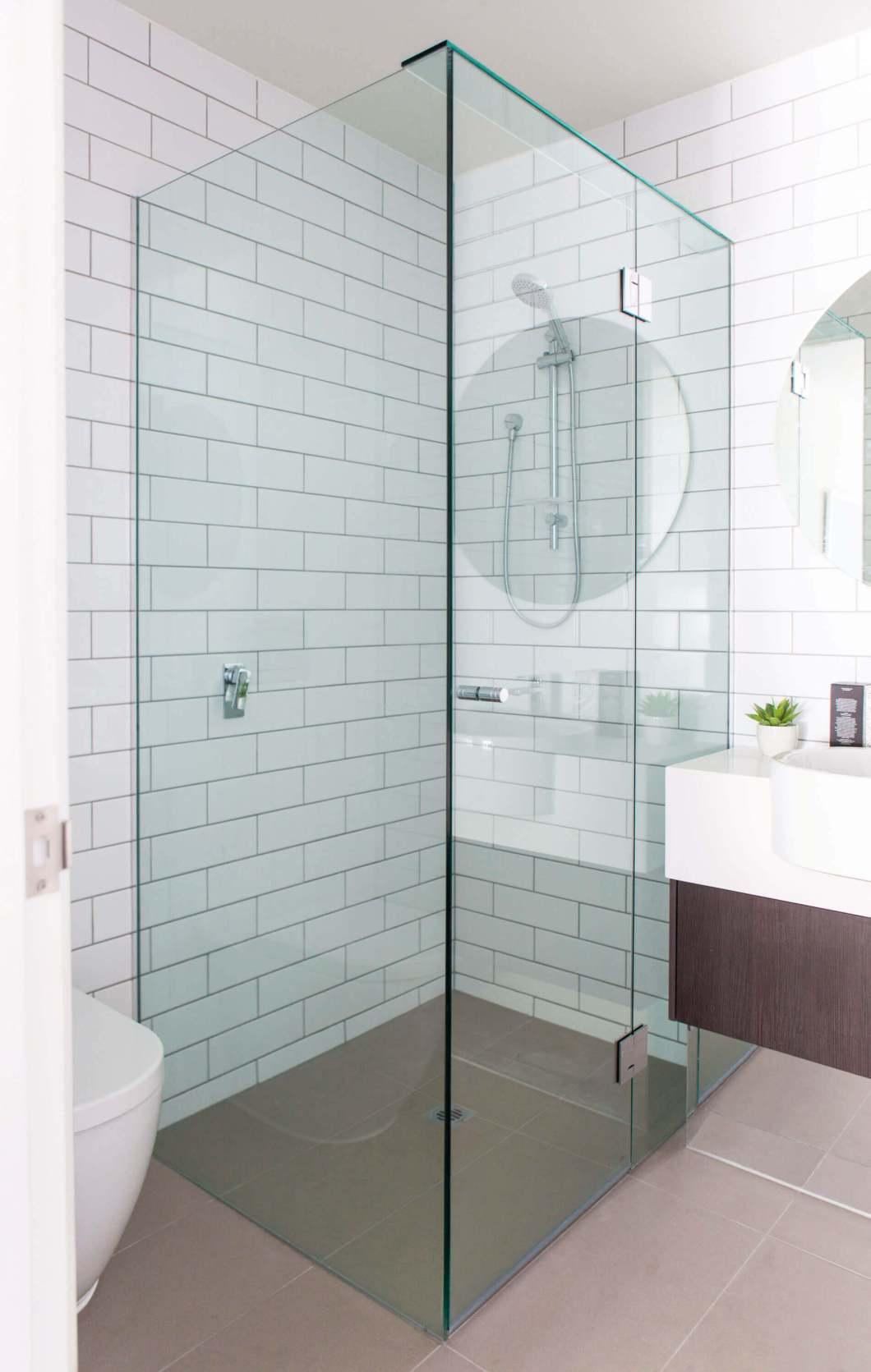 showerscreen-frameless-1