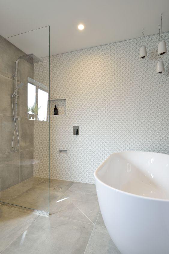 Open Shower Freestanding Bath